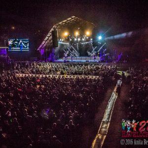 crowd-14